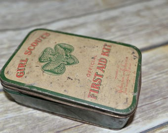 Girl Scout First Aid Kit Tin 1950s Green and white Chippy cuteness Johnson and Johnson  Safety first