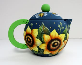 Sunflowers and Bumble Bees Tea Pot,  Vintage Tea or Coffee Pot, Hand or Tole Painted,Yellow Sunflowers,Yellow Bumble Bees,Decorative Tea Pot