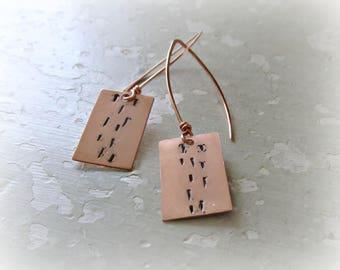 Lines Copper Earrings, Stamped Earrings, Copper Dangles, Modern Earrings, Hammered Earrings, Long Earrings, Metalwork Jewelry, Tab Earrings
