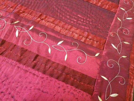 Satin Christmas Quilt Throw - Red and Green Embroidered Satin Quilt Throw - Lap/Sofa Quilt - Christmas Decor/Gift - Kohl's Brand - Like New