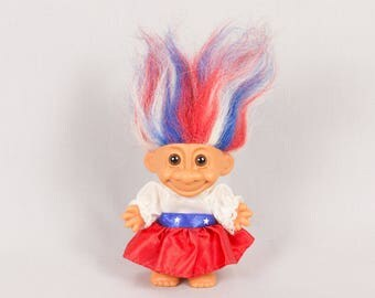 Russ Troll girl doll Removable dress Red white and blue hair Round ears Vinyl body Patriotic troll doll Brown eyes 4 inches tall Pristine