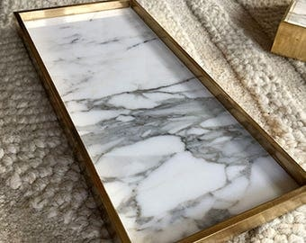 Marble and brass edge tray - Calacatta marble and solid brass - 30 cm x 15cm x 1.9cm