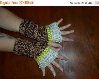 Wool Blend Fingerless Gloves Apple Crisp Bohochic Chunky Crochet Oatmeal Green Apple & Coffee mottled Rustic Unisex One of a kind