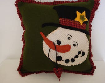 Snowman pillow, felted wool snowman, hand stitched pillow, applique snowman pillow, decorative pillow, fringed pillow, snowman with top hat