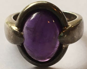 Vintage 925 Silver and Polished Amethyst Ring Hallmarked