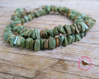 Boho Green Turquoise Chip Bracelet, Turquoise and Brass Simple Bracelet, Boho Turquoise Bracelet, by MagpieMadness for Etsy