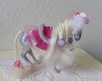 Fashion Star Fillies, CHLOE with original barrettes, back dress cape with added pink mesh dress and hat, 1980s toy