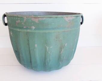 Vintage Galvanized Round Metal Bushel Basket, Farm  Garden Wash  Tub, Christmas Tree Tub Bucket