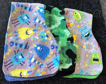 Contured baby burp cloths