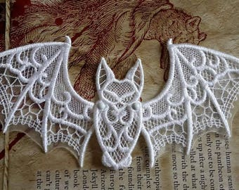 UK White gothic flying bat applique, trimming, free-standing lace, cake decoration, patch