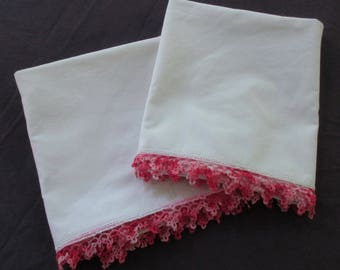 Pair of Tatted Pillowcases - White with Pink Tatting - Vintage - 18 X 35 Inches - VL18N