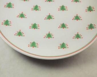 Christmas Plates, Set of 4 Christmas Tree Plates, Glass Dinner Plates, Vintage Christmas Plate, Festive Christmas Plates, 8 plates available
