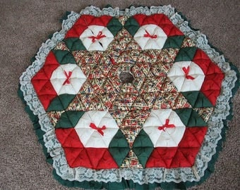 Christmas Tree Skirt - Biscuit Quilted - Traditional Symbols