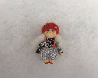 Primitive doll brooch,textile doll brooch,miniature dolls brooch,cloth doll,art doll brooch