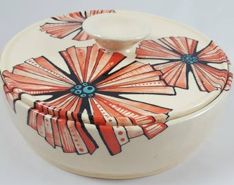 Serving dish, covered serving dish, casserole dish, ceramic bowl, lidded bowl