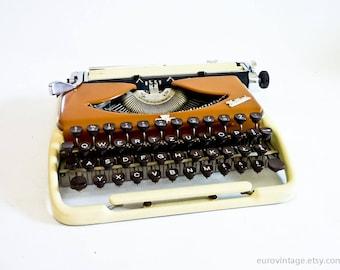 Vintage Groma Kolibri Portable Typewriter 60s