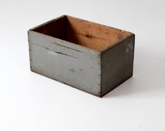 primitive wood box, vintage painted wood crate