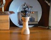 Pepper mill - pepper grinder – Housewarming - Kitchen - Wedding - Foodie -  Chef – PG546