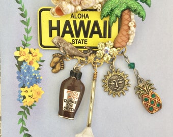 HAWAII the Aloha State LICENSE PLATE - Collage Pin - Brooch