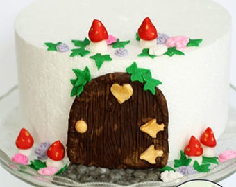 Fairy door cake decorating kit for fairy birthday cakes and gnome house cakes.
