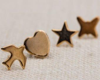 7 Pairs of Gold Stud Earrings Vintage 1980s | 14 Earrings Days of the Week Simple Earings | Heart Star Butterfly Minimalist 7TT