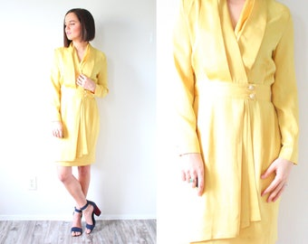 Vintage yellow mod long sleeve dress // yellow dress // yellow wiggle body con dress // button down dress // modest dress // fancy party