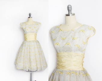 Vintage 1950s Dress - Ivory Chiffon Yellow Rose Print Flocked Full Skirt Party Prom Dress - Small