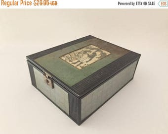 Memorial Day Sale 1930's Metal Mirrored Jewelry Box, Silhouette of Couple, Chromium Plated Trinket Box