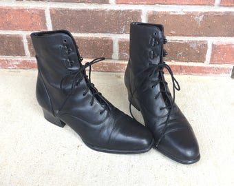 vtg 80s BLACK lace up RIDING BOOTS 10 heels equestrian Victorian granny boho preppy leather shoes