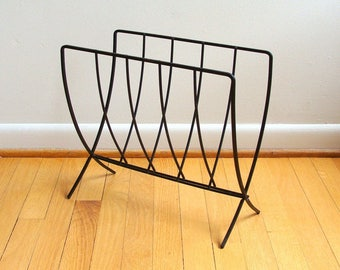 Mid Century Modern Black Wrought Iron Magazine Rack Metal Wire 1960's