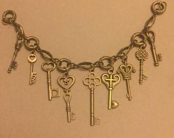 Steampunk Style Chunky Chain Key Charm Bracelet