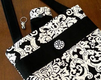 Black and White Fabric Purse, Shoulder Bag for Women with Matching Accessory Pouch and Key Ring, Fashion Tote Bag