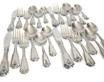 Rogers Stainless Korea Flatware Set, Complete Service for 4, Brentwood Norcross, Flowers, Beaded Edge