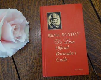 Old Mr Boston De Luxe Official Bartender's Guide 1961, Vintage 1961 Old Mr Boston Bardenter's Guide Red Book