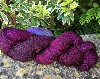 """100grms hand painted merino/nylon yarn """" roses are red """""""