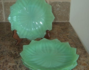 FREE USA Shipping-Lot of 4 Fire King Jadeite Leaf Plates-Jadite