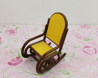 Tomy Smaller House  Bentwood Rocker  Fits 3/4 to 1 inch scale hard  Plastic eighties Modern Rocker