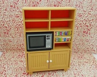 Tomy Smaller House  Book shelf with TV and books  Fits 3/4 to 1 inch scale hard  Plastic