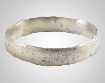 Authentic Ancient Viking  wedding Ring Band  C.866-1067A.D. Size 8 1/2    (18.6mm)(Brr1038)