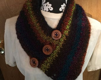 Crocheted cowl (neck warmer)