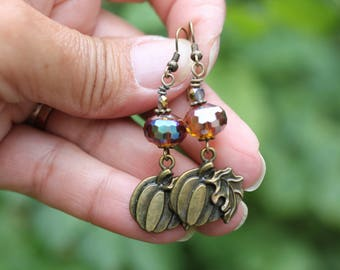SALE, Cute Fall Halloween Pumpkin Earrings, Bronze Pumpkin Earrings, Lightweight Dangle Earrings