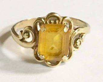 Vintage 10 KT Gold with Citrine Ring Size 5 1/4
