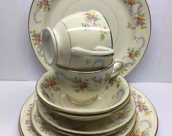 1946 Georgian Nautilus Eggshell USA China 12 piece dinnerware set.  Beautiful condition.  No chips or crackes.