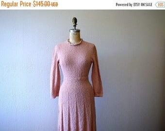 25% SALE 1940s knit dress . vintage 40s pink knit dress