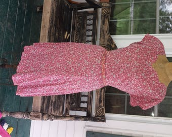 Handmade Vintage 1940's Delicate Pink Calico Dress