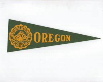 Vintage College Pennant OREGON University Small 9 1/2 Inch Small Felt School Pennant Flag 1940s-1960s Dorm Collectible Sports Decor Man Cave