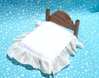 Dollhouse Bed Skirt Miniature Bed Ruffle Cream Bed Skirt Full Size Mini Bed Ruffle 12th Scale Dollhouse Dust Ruffle Small Doll Bedding