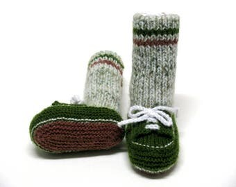 Knitted Green Sneakers with Crew Camo Socks