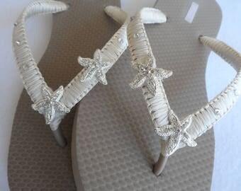 Starfish Bridal Sand Color Flip Flops / Beach Wedding Flip Flops / Bridal Shower / Wedding Party / Bridesmaids Sandals / Wedding Sandals .