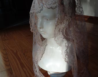 Vintage Pastel Pink Lace Chapel Veil,  Machine Made Lace Triangle Shaped Chapel in a beautiful vintage condition in pretty Blush Pink Color